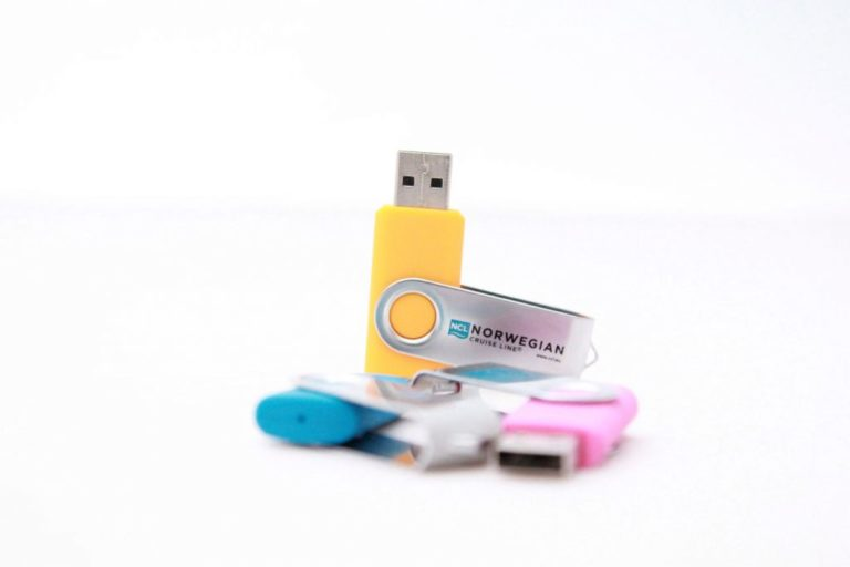 Branded Twister USB & USB Packaging
